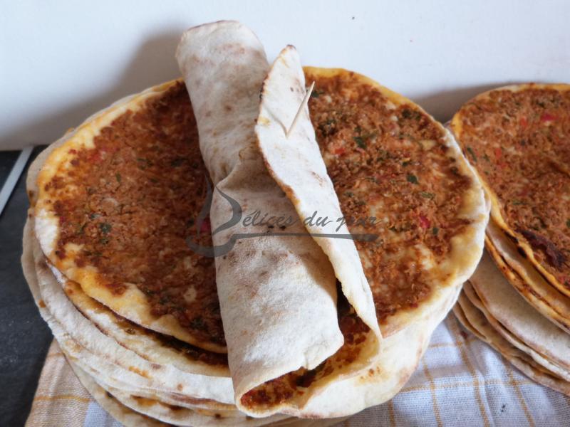 Pizza turque lahmacun plat d lices du jour - Quantite de viande par personne par jour ...