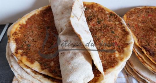 Pizza turque, Lahmacun