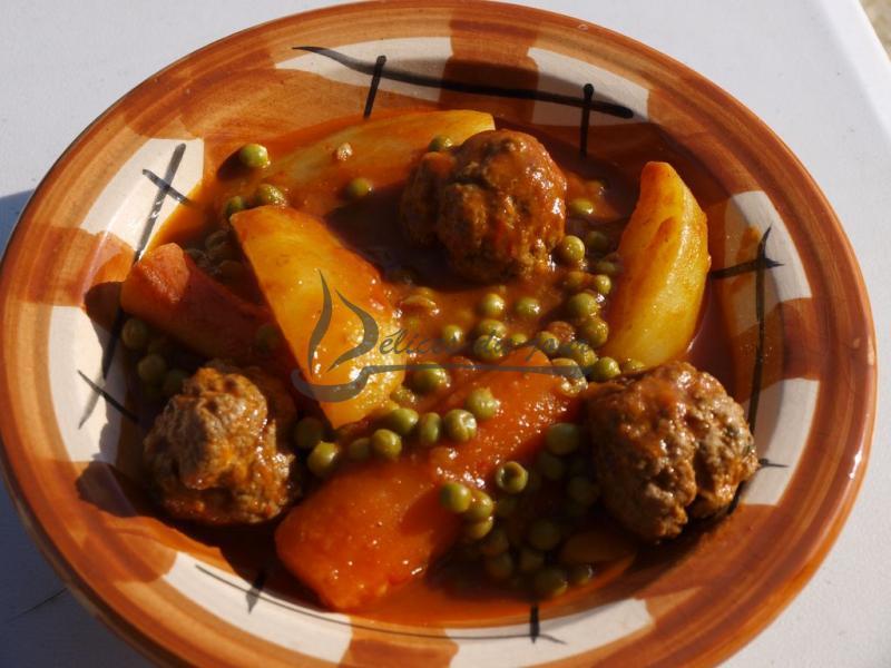 Tajine de boulettes de viande hachée